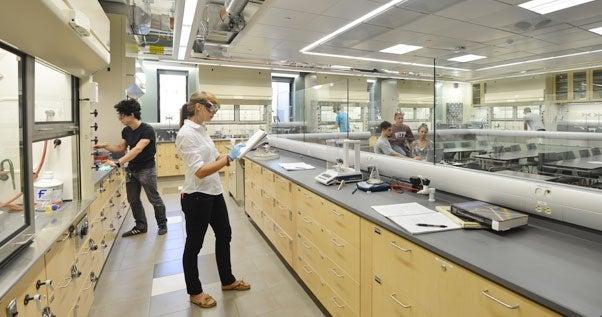 undergraduate chemistry labs campus tour